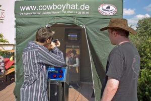 lasershooting_cowboyhat_02